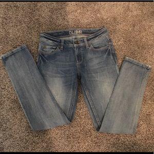 Adorable DL1961 Jeans